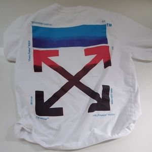 Off white t-shirts with bag and main label